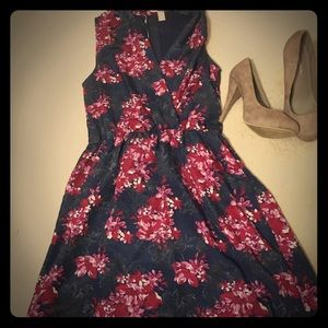 NWOT forever 21 SZ. Small floral print dress